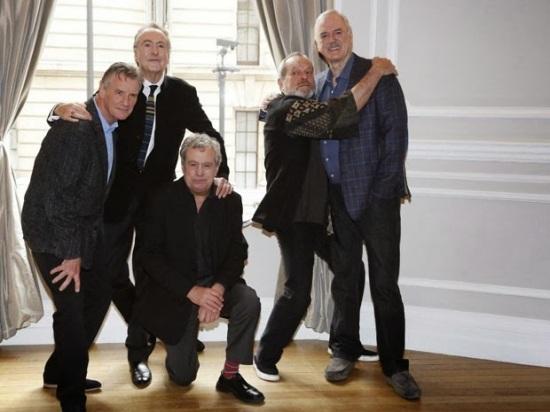 Michael Palin, Eric Idle, Terry Jones, Terry Gilliam e John Cleese irao mesclar esquetes novas e clássicas